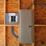 Gen/Tran Transfer Switches and accessories should be installed by a qualified electrician familiar with residential wiring and electrical codes