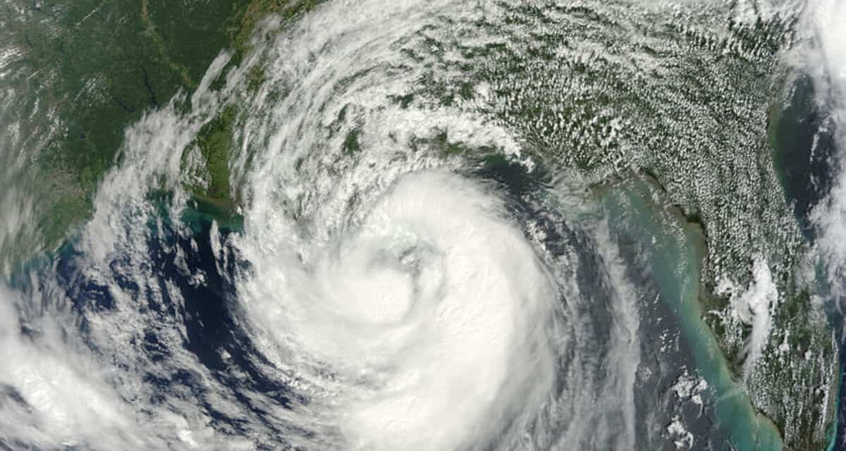 Prepare for Hurricane Isaac as it Threatens Gulf States
