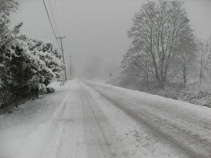 Show covered road afer a snowstorm